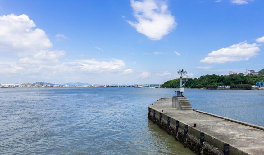 児島湾締切堤防から児島湾方面を望む